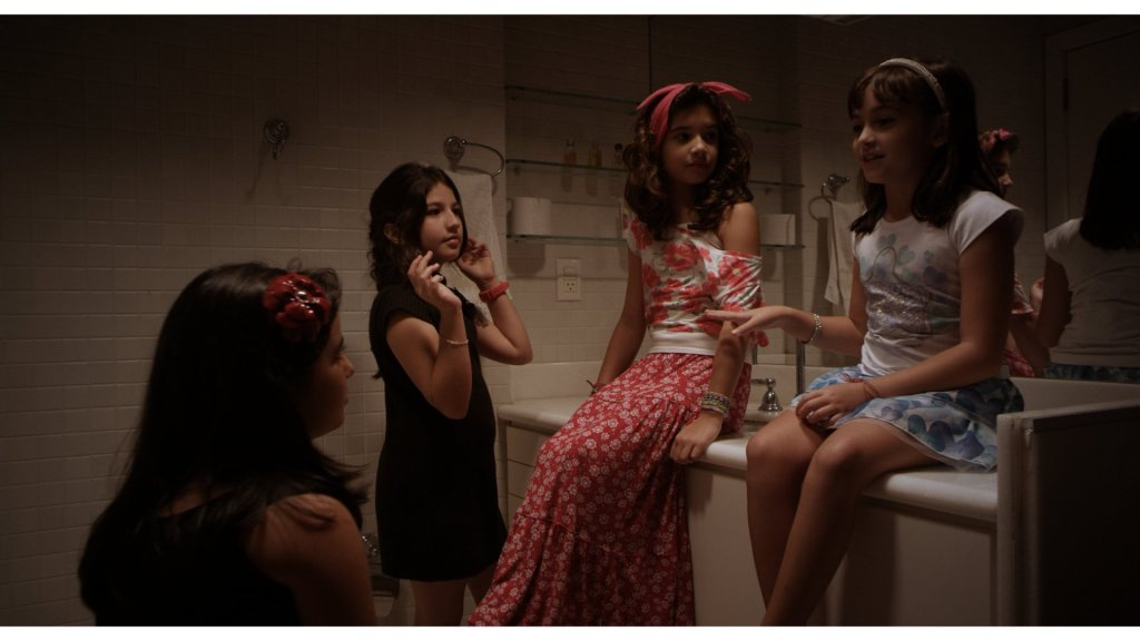 451-frame2_Meninas